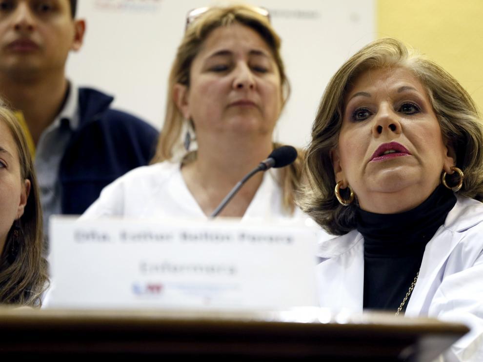 La enfermera Esther Bellón, que asistió a Teresa Romero, en rueda de prensa.