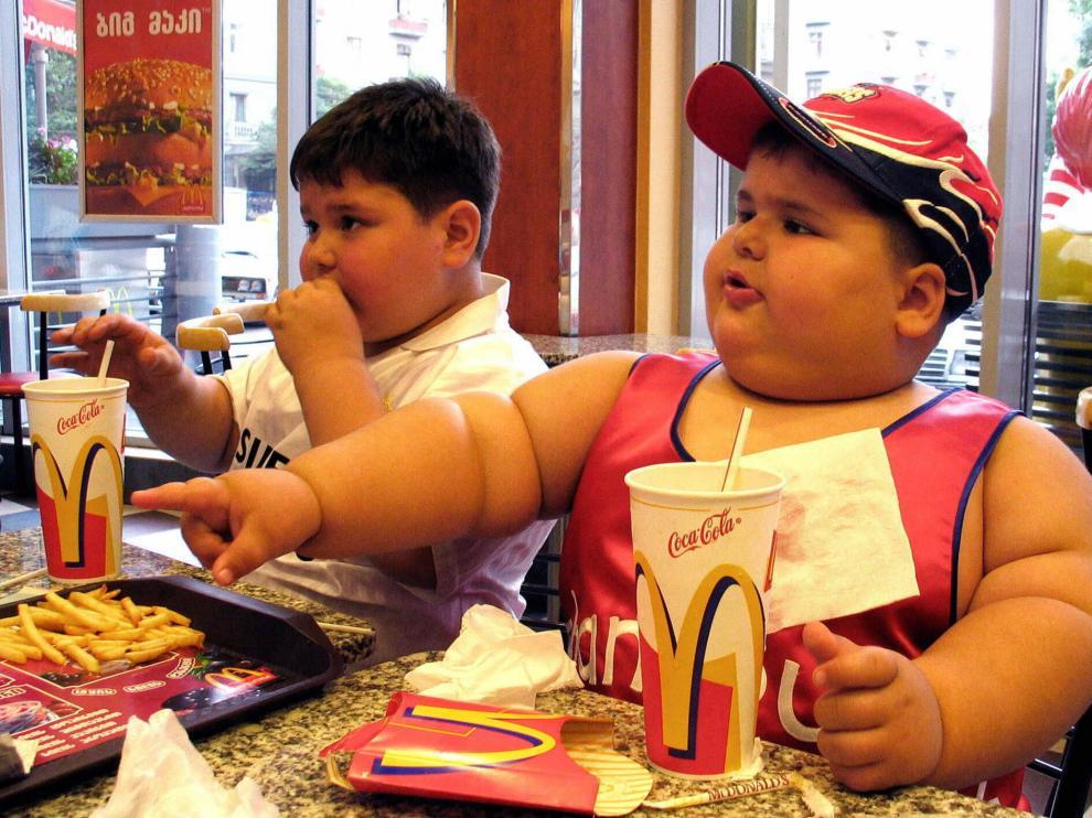El grupo de alimentos más consumidos por los niños es el que engloba el pan, la pasta, el arroz, las patatas, las legumbres tiernas y los cereales.