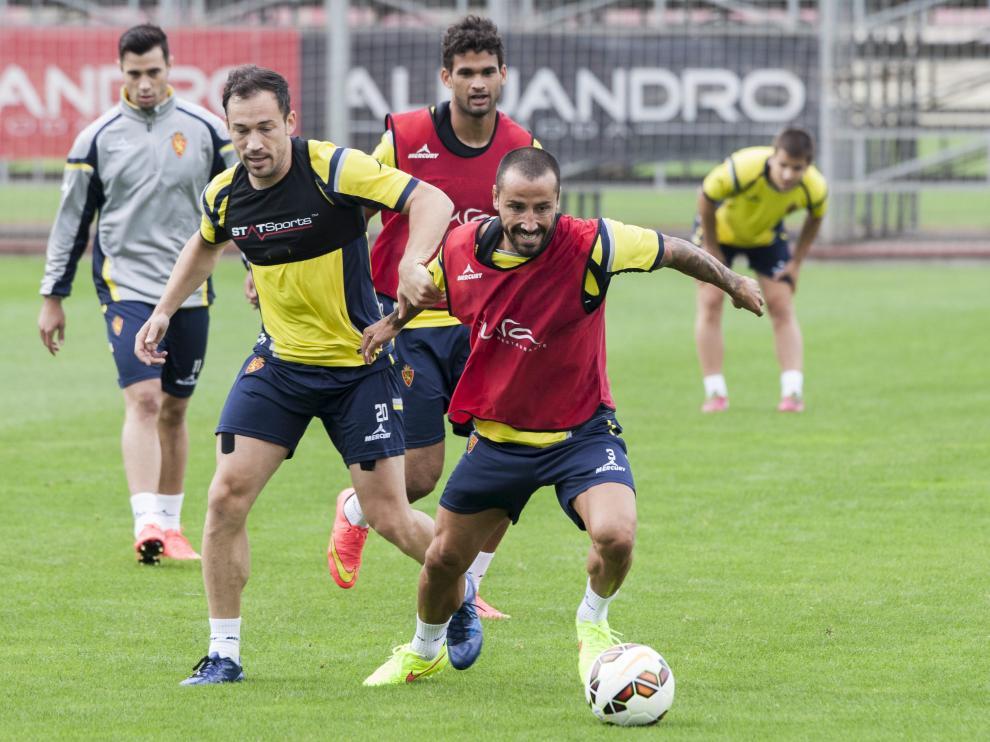 Mario, durante un entrenamiento del Real Zaragoza