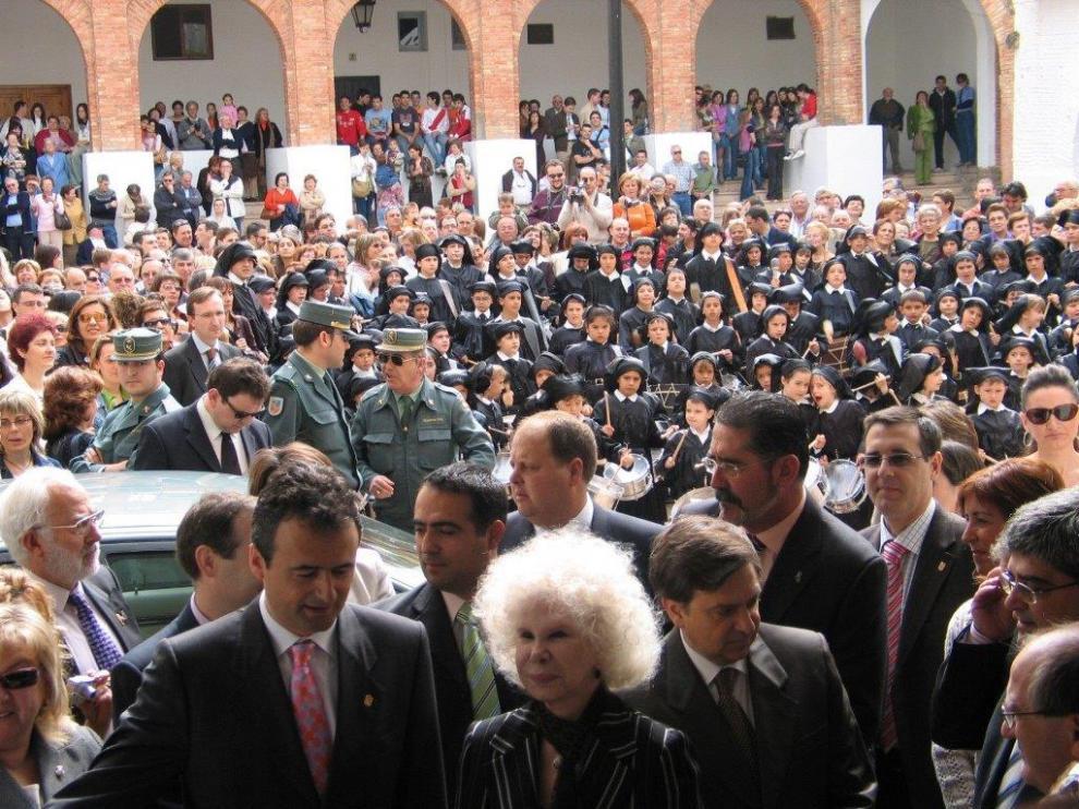 Cayetana de Alba, pregonera de las Jornadas de la Ruta del Tambor.