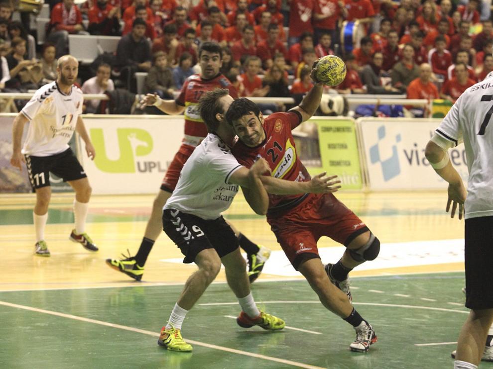 Imagen del partido entre el Bada Huesca y el Eskilstuna
