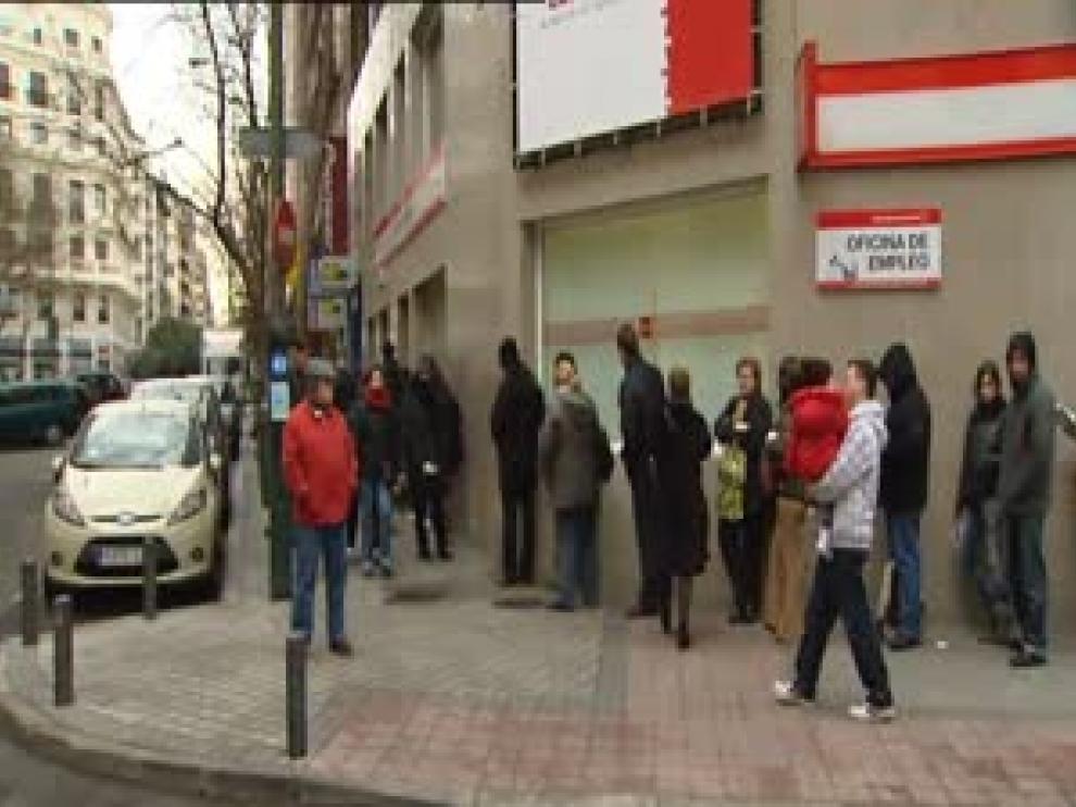 Baja el paro en España en 13.100 personas hasta marzo pero se destruyen 114.300 empleos