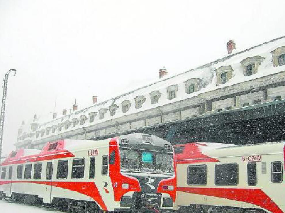 La línea Huesca-Canfranc va a mejorar el tramo de Plasencia  del Monte-Alerre (5,3 kilómetros). Las mejoras previstas permitirán la circulación de trenes de ancho europeo. Está financiado por la DGA y el Ministerio de Fomento.