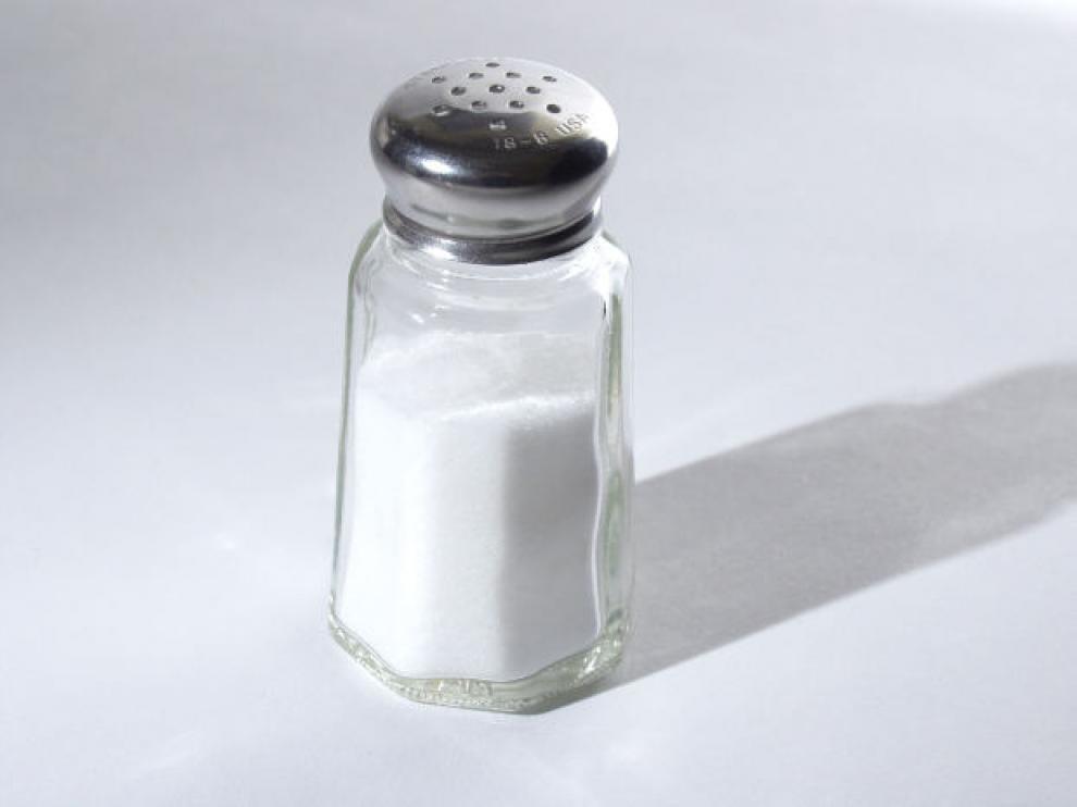 La sal no engorda ni favorece la retención de líquidos si se consume de forma moderada