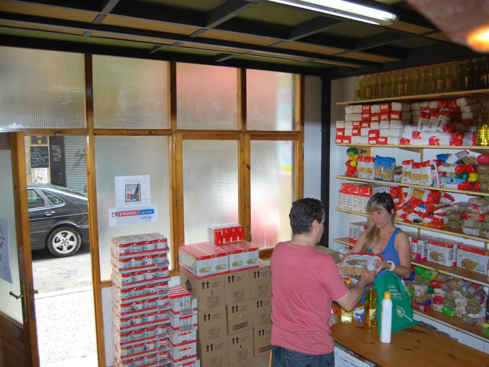 Tienda solidaria de la FABZ 'Entrevecinos'