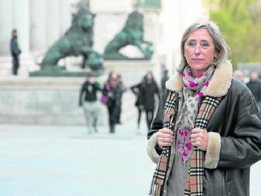 La parlamentaria popular y profesora de la Universidad de Zaragoza, Pilar Cortés, en el Congreso .