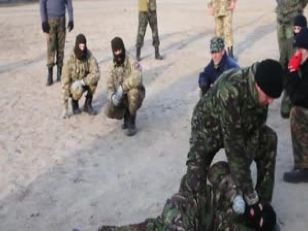 ?Grupos paramilitares de ultraderecha se hacen fuertes en la nueva Ucrania