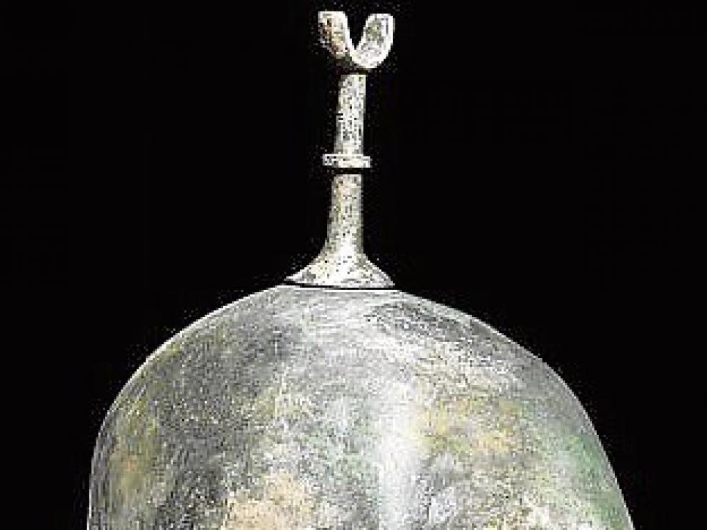 Las piezas. Varios cascos de la colección Guttmann –el número total aún está en cuestión, aunque se piensa que podrían ser 18– fueron vendidos en subastas los años 2008, 2009, 2010 y 2012.