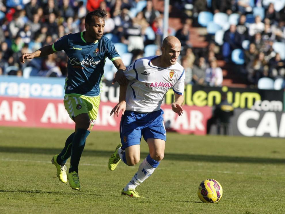 Vullnet Basha, en el partido del Real Zaragoza contra el Valladolid