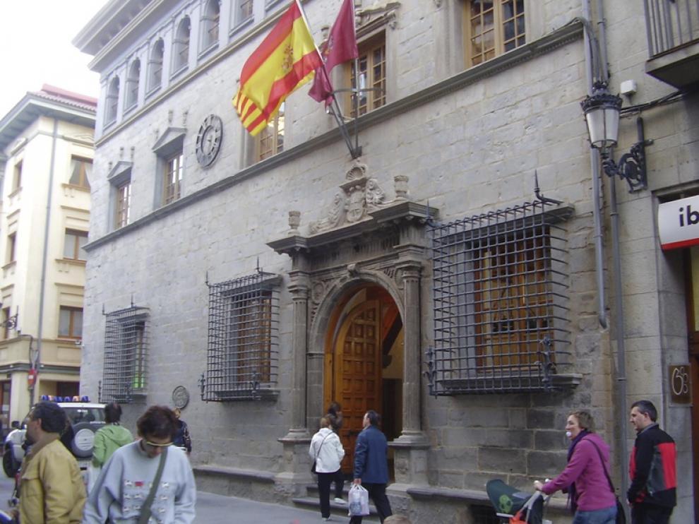 Vista exterior del Ayuntamiento de Jaca