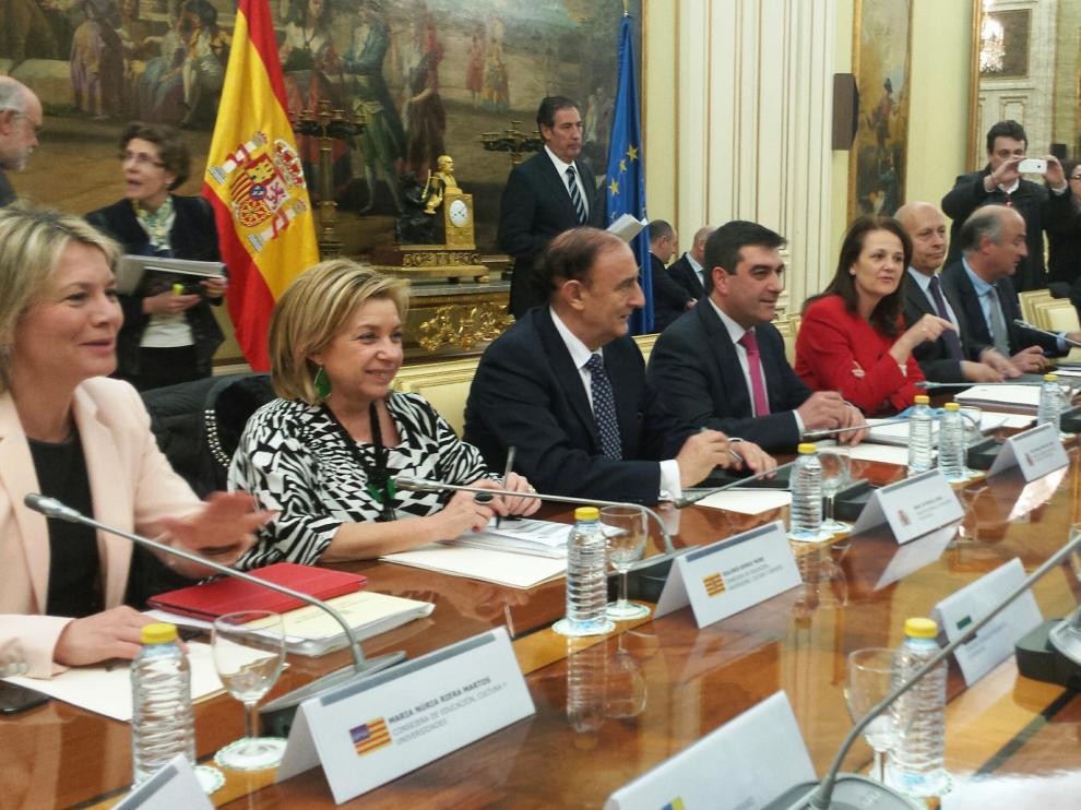 La consejera Serrat en la reunión con el ministro Wert