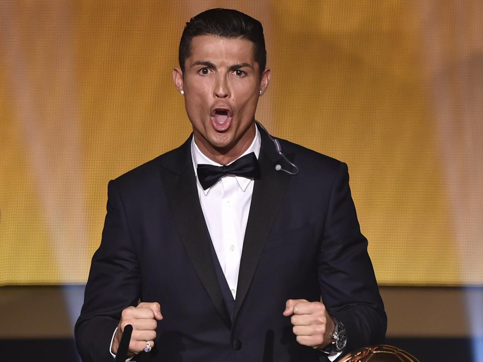 Cristiano Ronaldo celebra con un aullido su tercer Balón de Oro