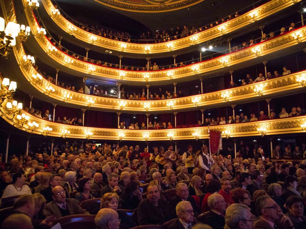 El Teatro Principal lleno para celebrar el 25 aniversario del Consejo Aragonés de las Personas Mayores
