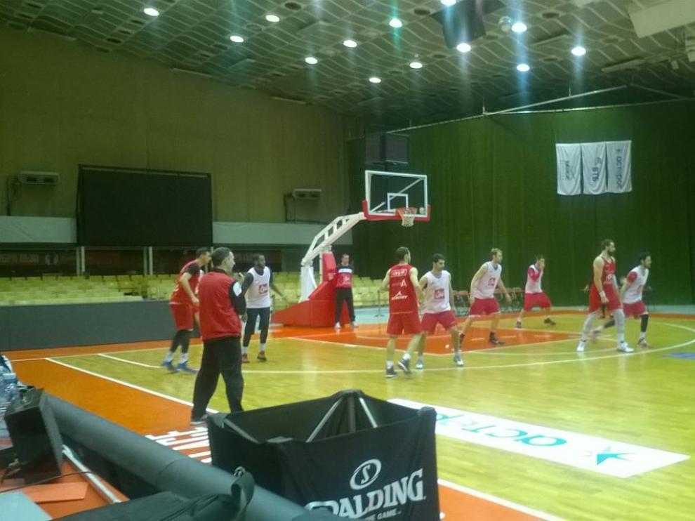 Los jugadores del CAI Zaragoza se entrenan en Volgogrado