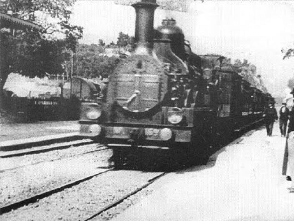 Fotograma de ' La llegada de un tren a la estación'