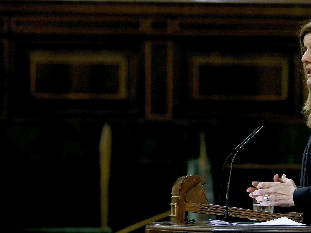 Báñez durante su intervención en el pleno del Congreso