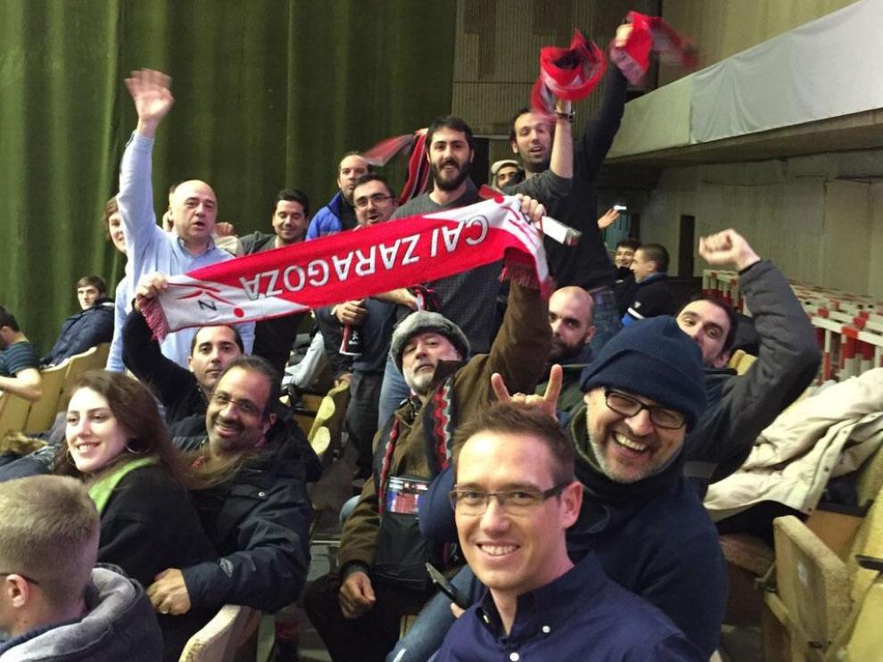 El CAI no está solo en Rusia, varios aficionados animan al equipo en Volgogrado