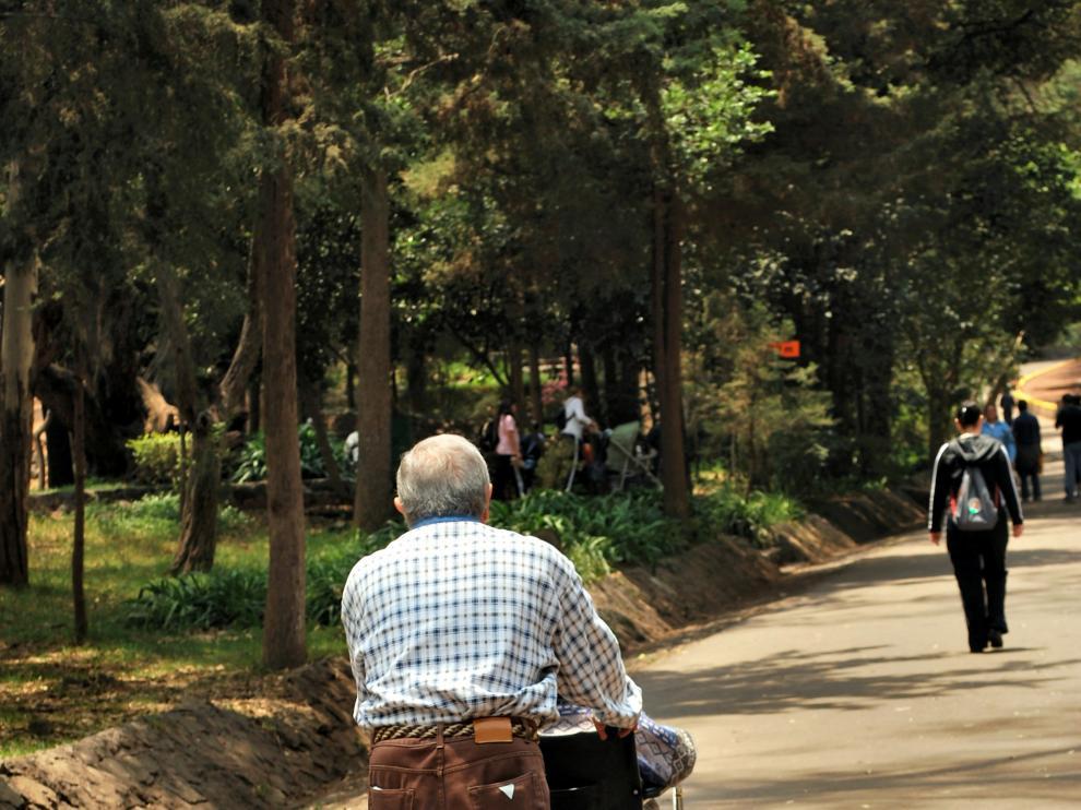 El 72 % de los cuidadores mayores de 65 años, es decir siete de cada diez, conviven con la persona a la que cuidan