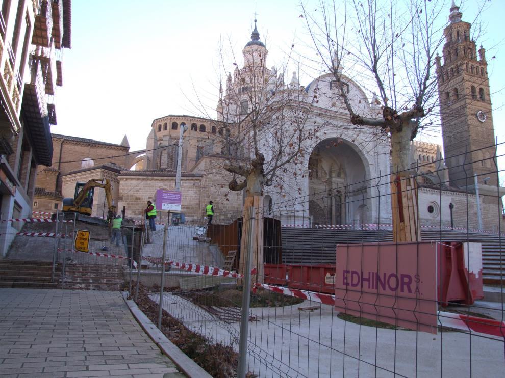 Las obras del entorno de la catedral turiasonense deberían concluir dentro de cuatro meses.