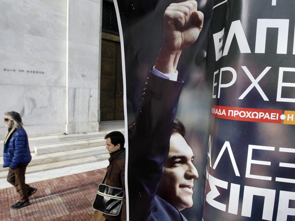 Cartel electoral de Syriza en una calle de Atenas