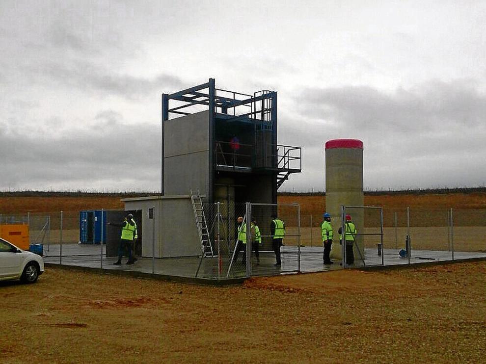 ha Centro de ensayos. La empresa Payload Aerospace ha terminado la obra civil de una plataforma de ensayos de 567 metros cuadrados y una zona de control en el aeropuerto de Teruel, en la foto.