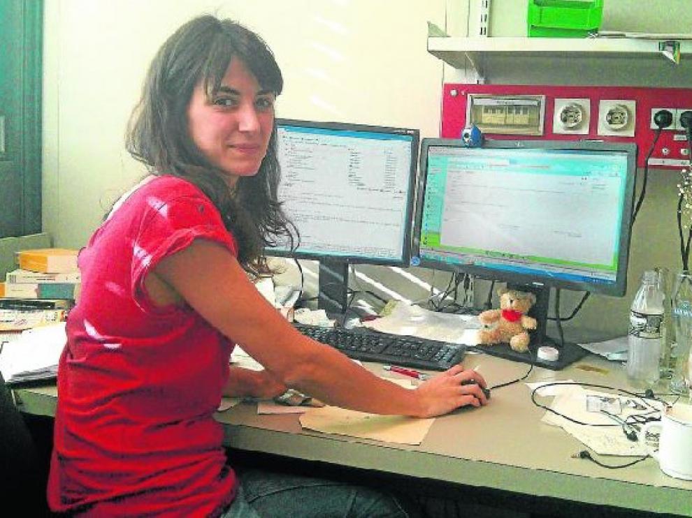La investigadora María José Martínez, en su despacho de la Universidad de Tubinga (Alemania).