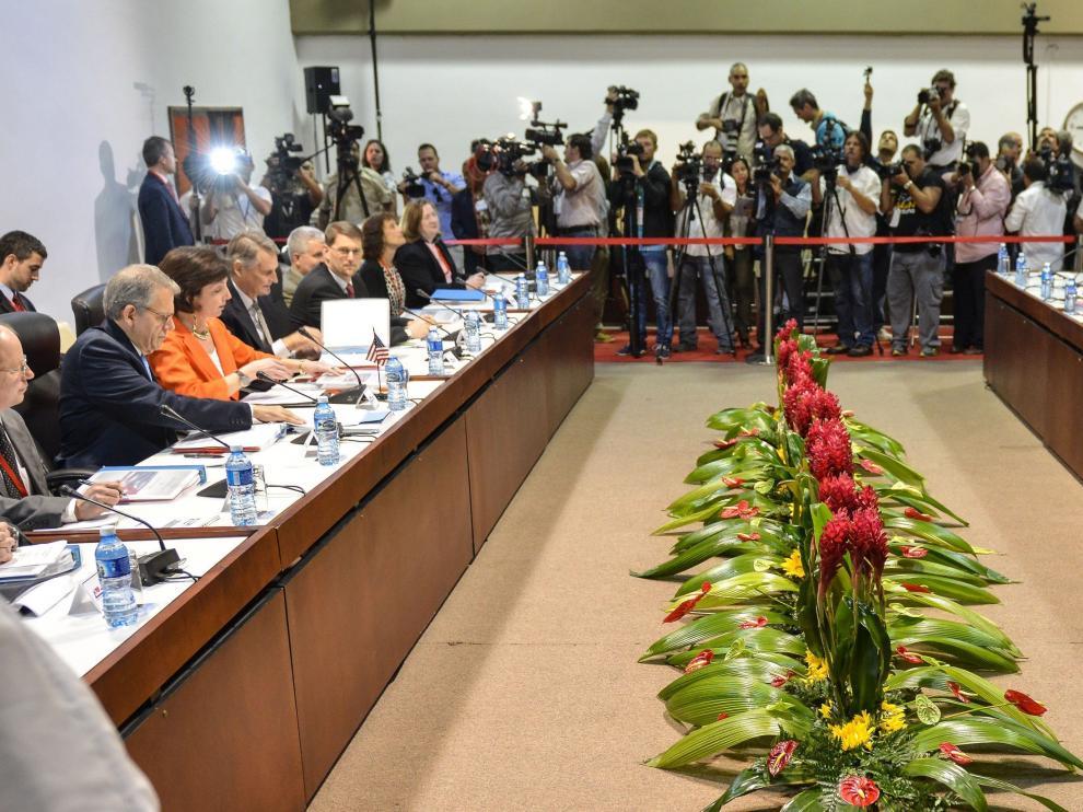 Primera sesión de las coonversaciones oficiales entre Estados Unidos y Cuba
