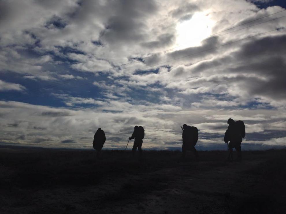 Los siete amigos durante una etapa del viaje