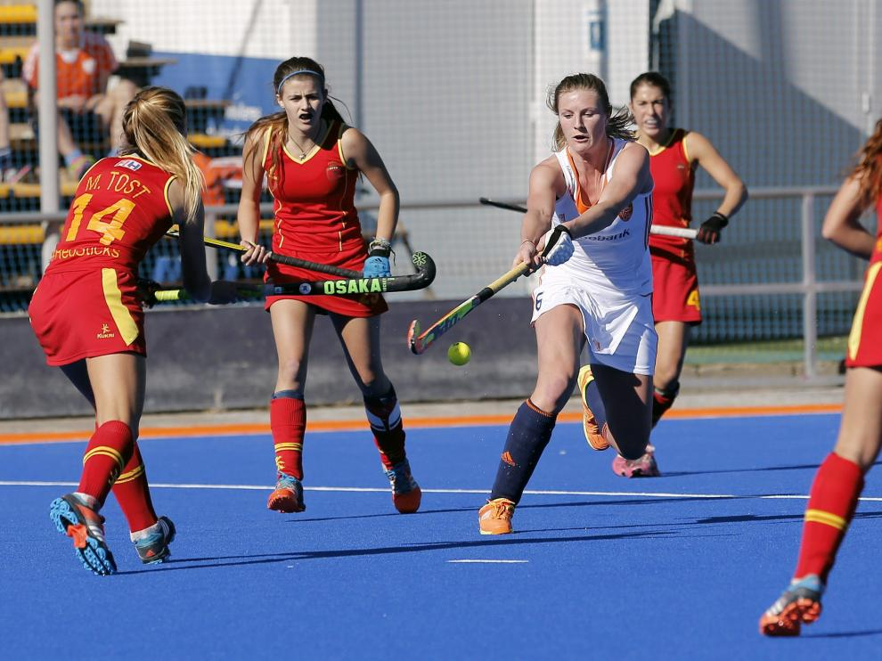Holanda derrota a España  en el último encuentro de la concentración por 0-3