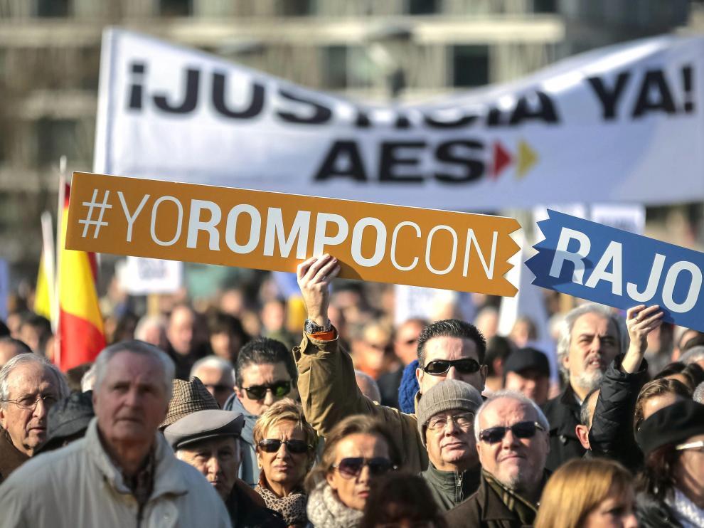 Protesta de la AVT en la madrileña plaza de Colón