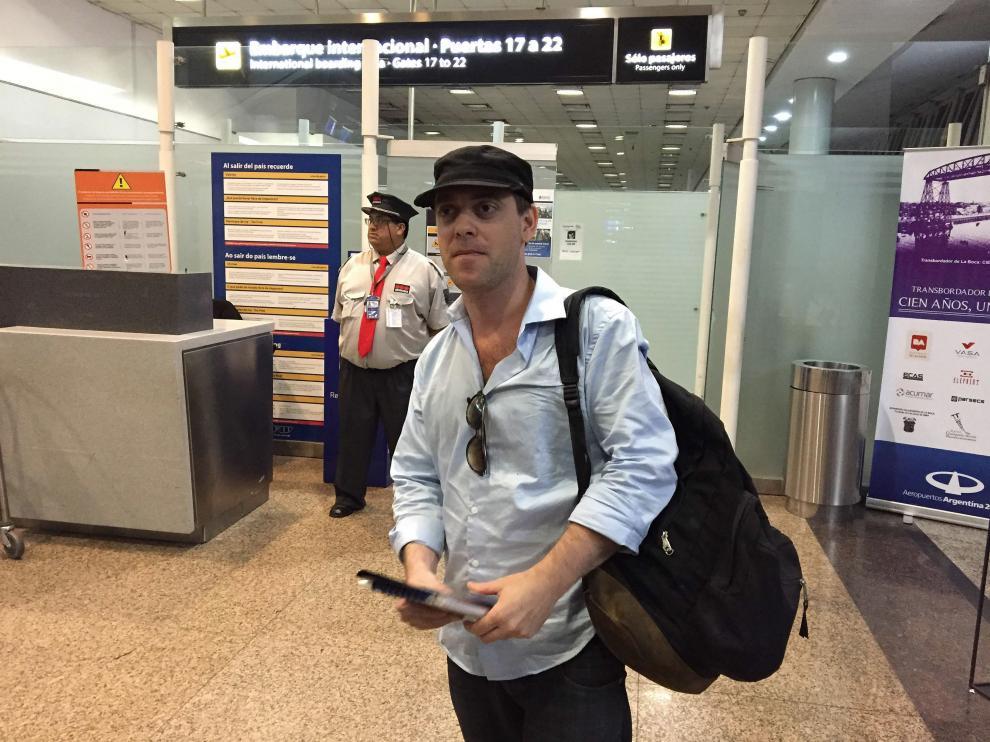 El periodista Damian Patcher, en el aeropueto de Buenos Aires