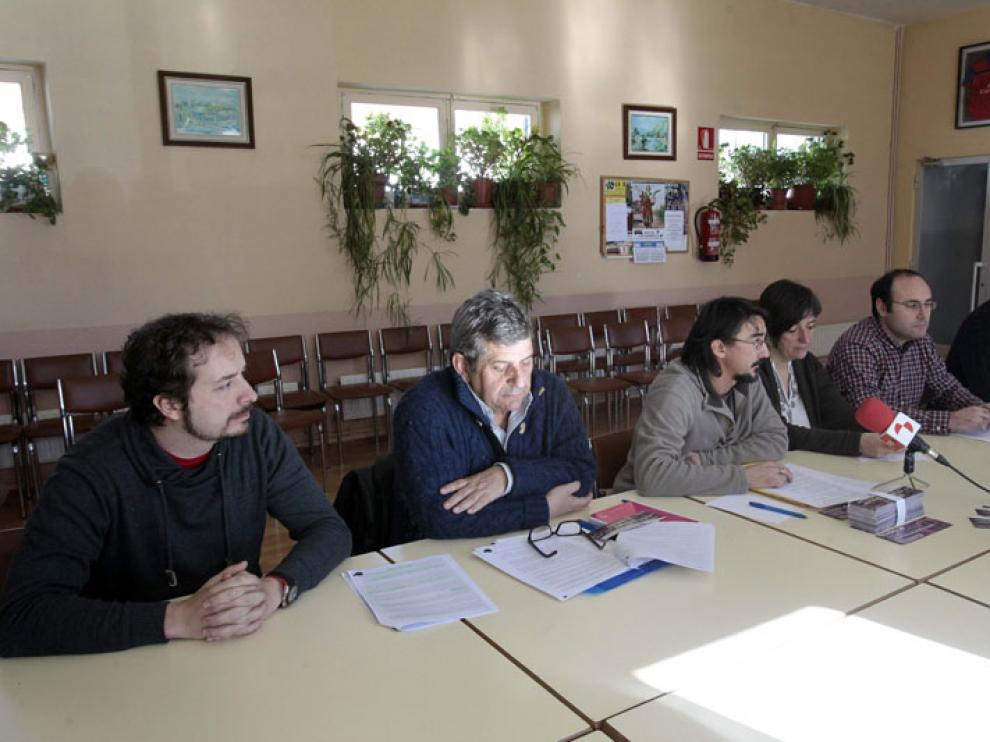 Algunas de las personas vinculadas a Podemos que auspician crear una plataforma de electores.