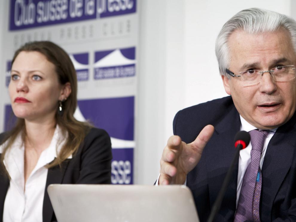 Sarah Harrison, periodista de Wikileaks, y el exjiuez Baltasar Garzón