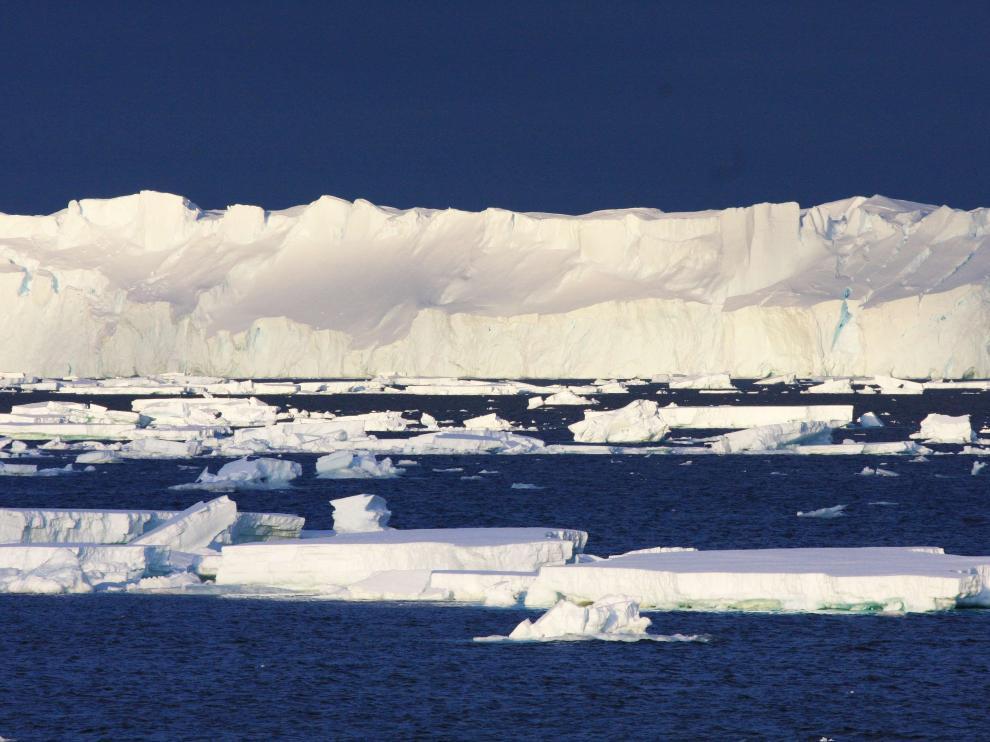 Foto de archivo de un glaciar en la Antártida.