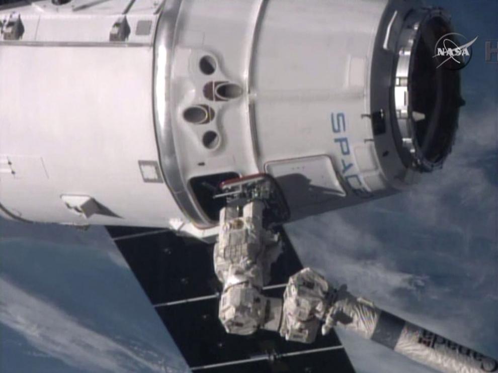 Los taxis espaciales privados volarán tripulados en 2017