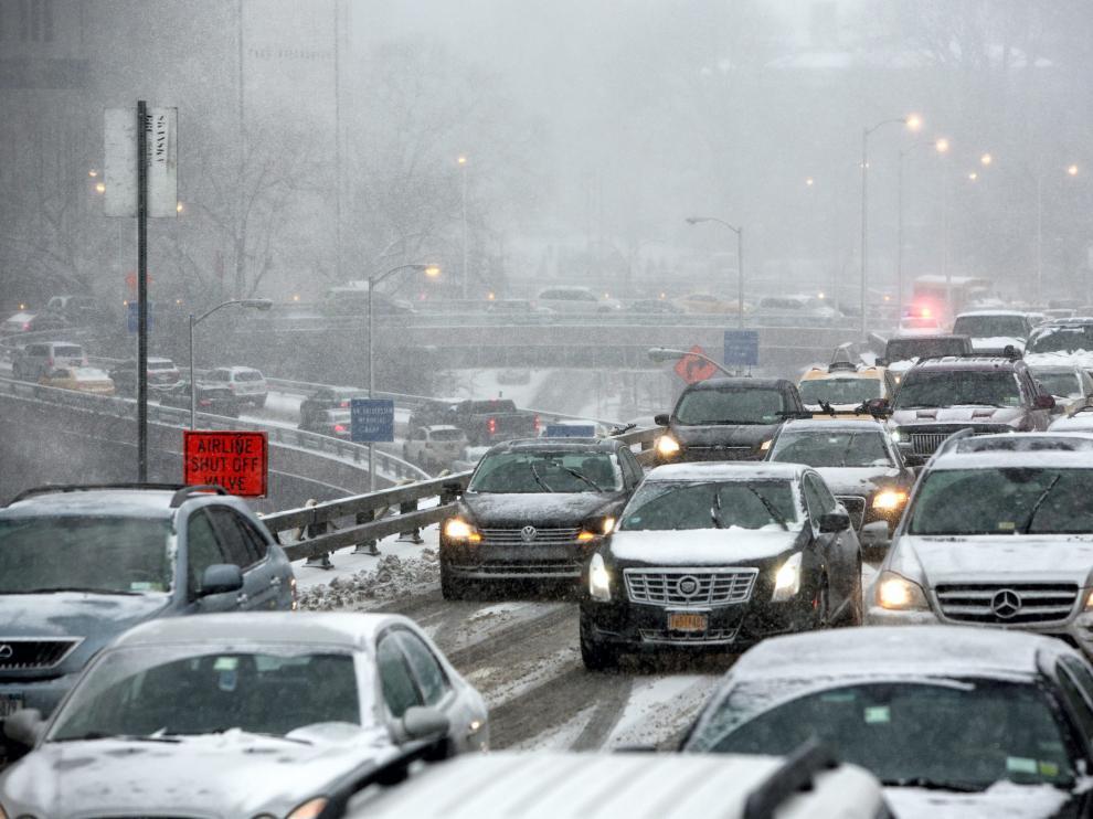 Levantada la prohibición de circulación en Nueva York y alrededores tras la gran nevada