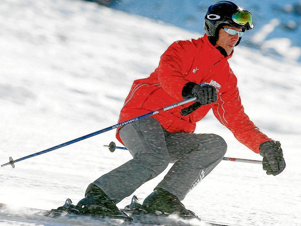 Foto de archivo de Schumacher en los Dolomitas. Hoy hace un año de su accidente de esquí.