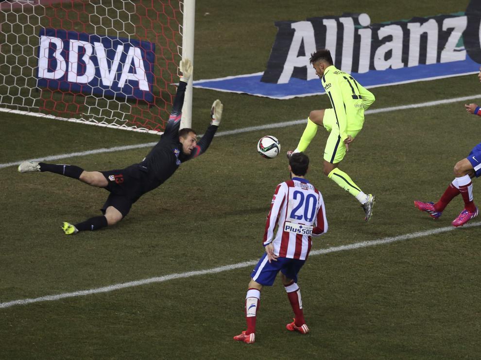 Neymar marcando un gol durante el partido