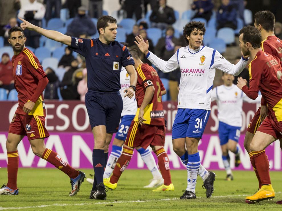 Vallejo, en el partido del Real Zaragoza contra el Recre