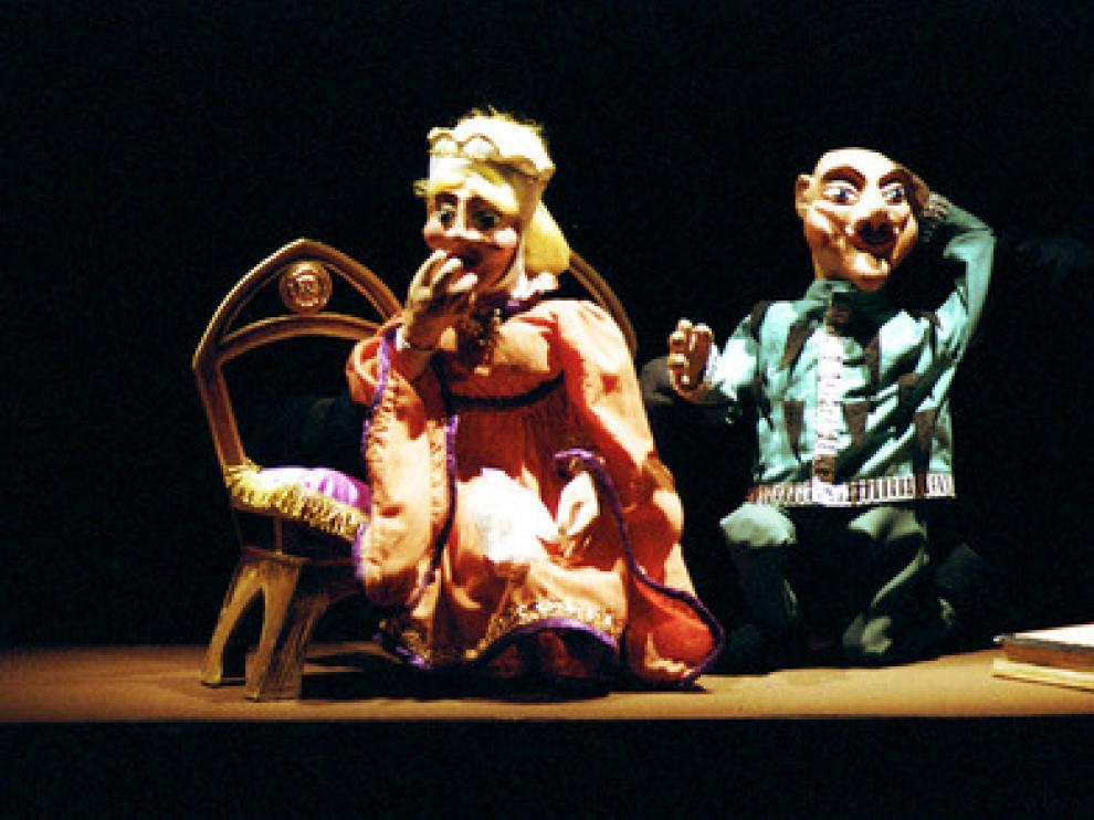 Pelegrín regresa al Teatro Arbolé con su obra de títeres 'El caballero encantado'