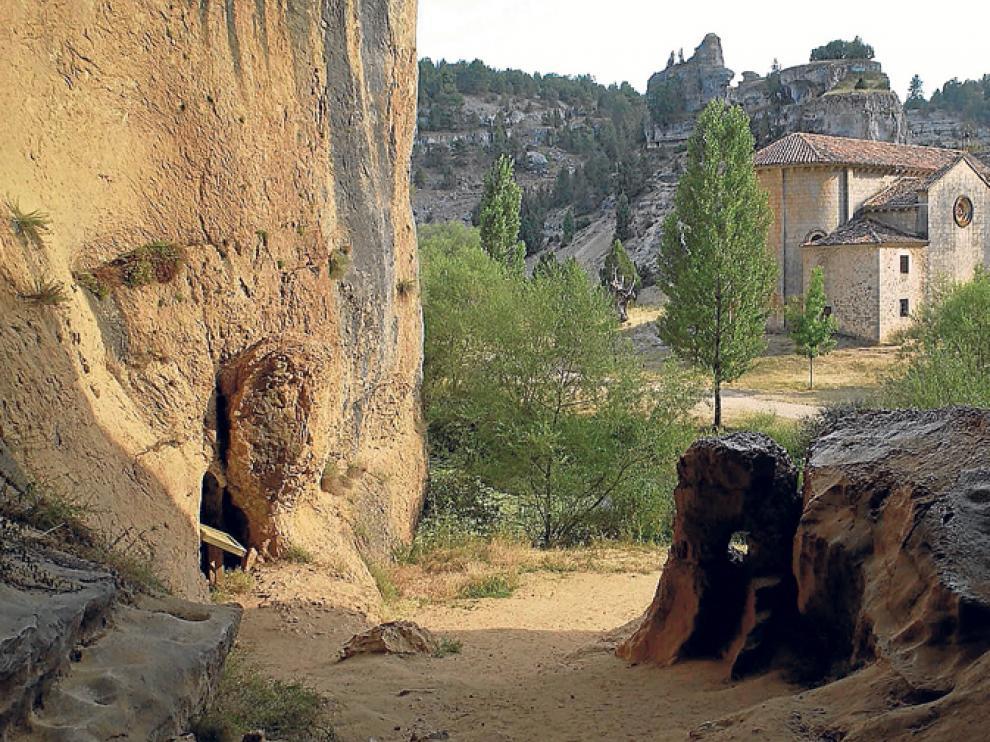 La ermita de San Bartolomé, en el Cañón del río Lobos