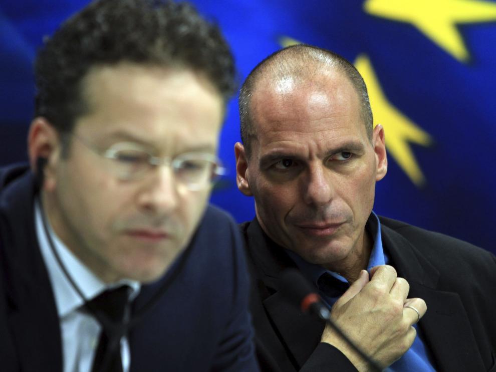 El líder del Eurogrupo junto al ministro de Finanzas heleno