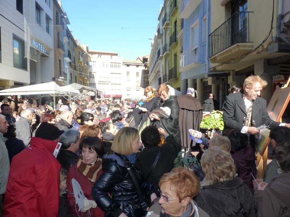 Candelas, caretas y stands con cientos de productos en la tradicional Feria de la Candelera