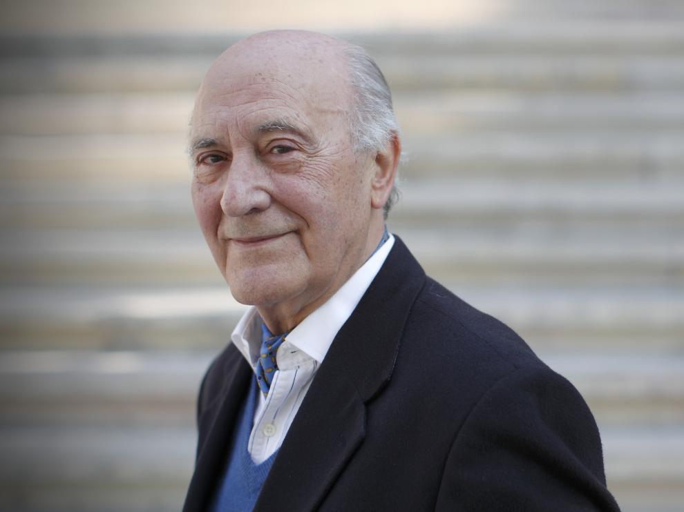 Ángel Alcalá