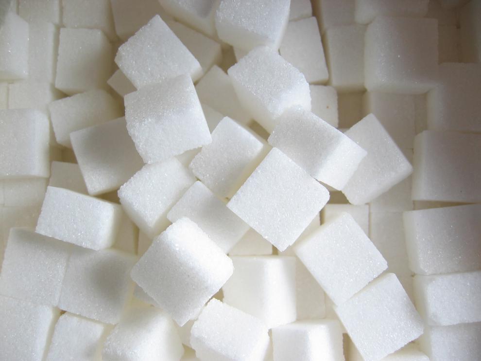 Consumir unos 25 gramos de azúcar al día equivaldría a unos seis terrones.