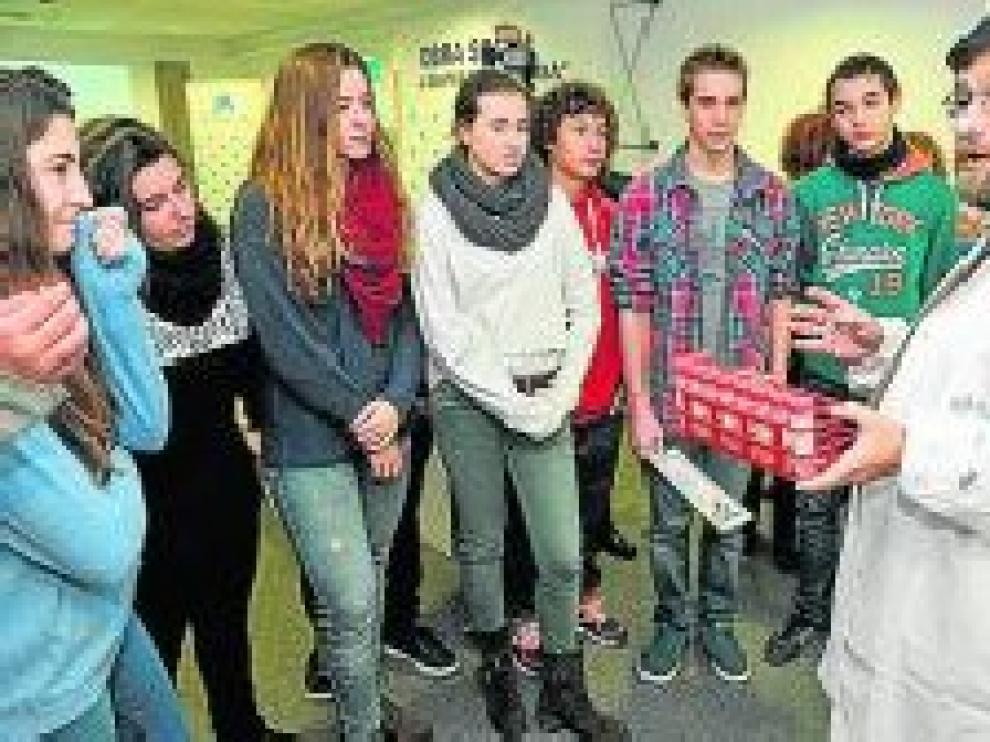 Presentación del proyecto 'Saca la lengua', ciencia ciudadana para estudiar las bacterias y hongos de la boca.
