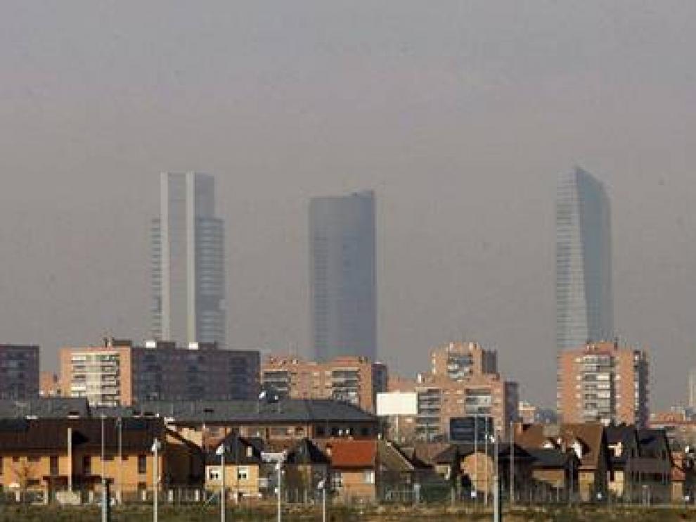 Madrid ya restringe el tráfico y el aparcamiento cuando se dispara la contaminación atmosférica
