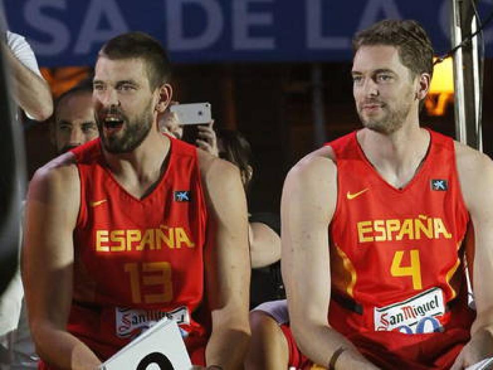 Los hermanos Gasol con la Selección española