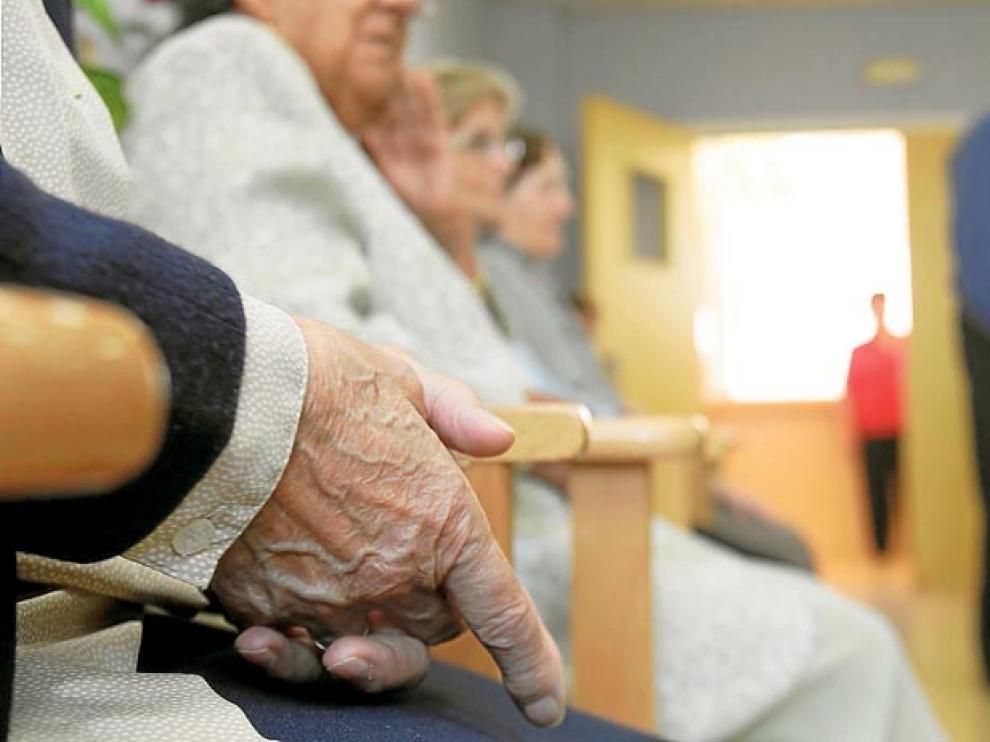 Los mayores suelen ser, generalmente, los que más servicios por dependencia necesitan.