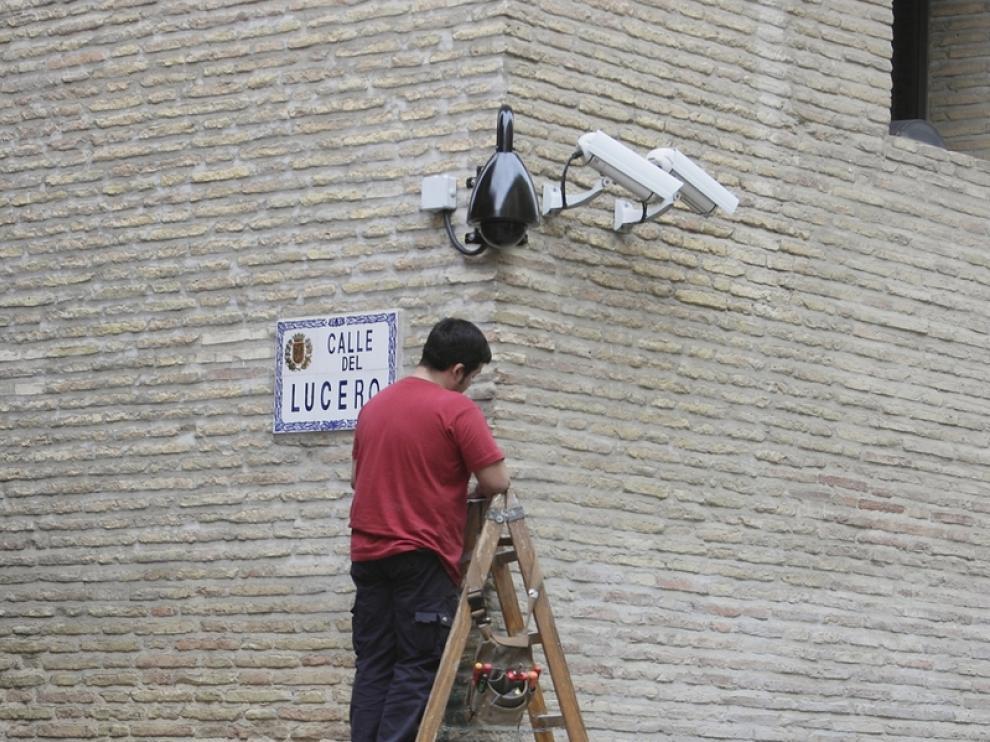 Instalación de cámaras en Zaragoza (Archivo)